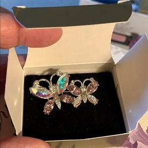 Vintage Avon Rhinestone double butterflies pin